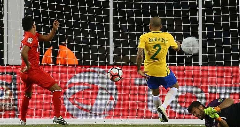 58012f9e7 Pin Perus Raul Ruidiaz (L) scores a goal in the second half during their  2016