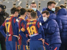 Koeman is hopeful Messi (R) will be able to face Athletic Bilbao. AFP