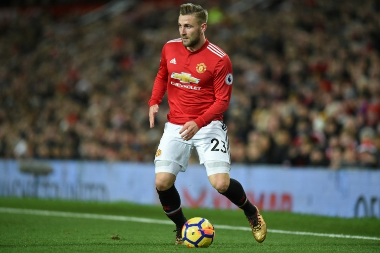 Shaw keen to earn new Manchester United contract