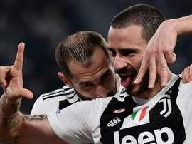 Chiellini llamó uno por uno a todos sus compañeros de la Juve para reducirse el sueldo. AFP