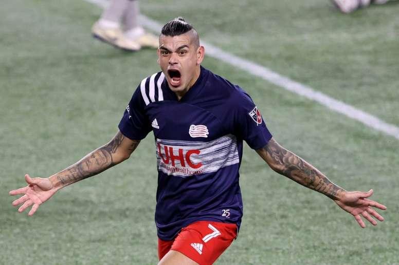 Revolution oust 10-man Orlando, face Crew in MLS semi-finals. AFP