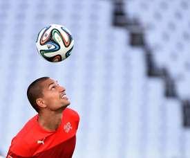 Gokhan Inler jugará en el subcampeón de Turquía. AFP
