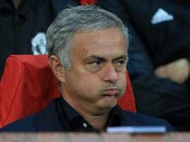 11 jugadores... y Mourinho, en el alambre. AFP