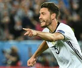 Jonas Hector podría dejar el Köln por el Bayern. AFP