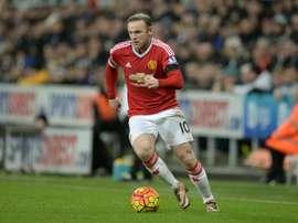 Rooney está a punto de volver a jugar al fútbol, pero antes se probará en el equipo Sub 21. AFP