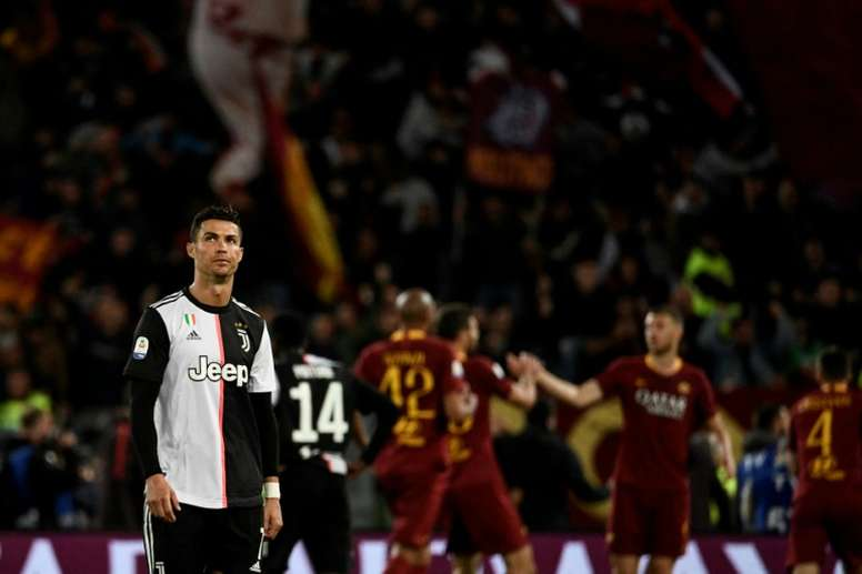 Florenzi, Dzeko keep Roma's Champions League hopes alive