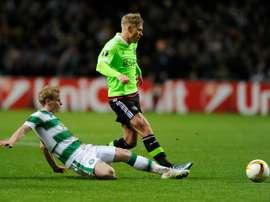El conjunto escocés consigue mantener uno de sus mejores jugadores en la plantilla. AFP