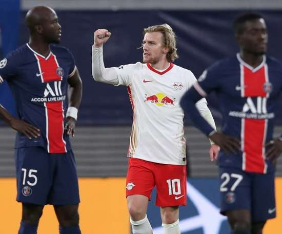 PSG lost 2-1 at Leipzig and ended the game with nine men. AFP