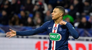 Mbappé would prefer to win the Champions League. AFP