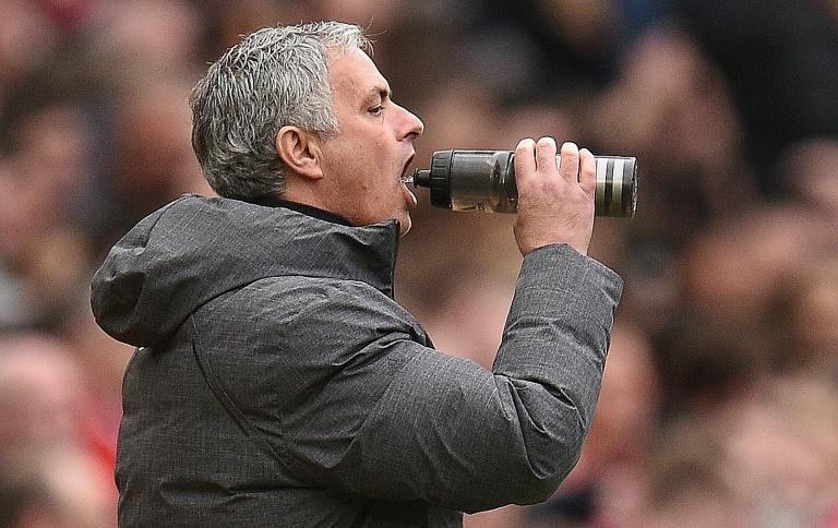 Eliminé avec Manchester United, Mourinho la ramène encore