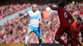 Junto a Ritchie, Shelvey es uno de los futbolistas que está cerca de renovar con el Newcastle. AFP