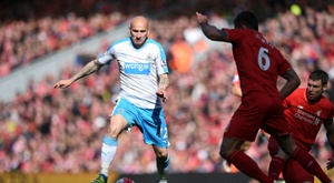 Shelvey is one of the footballers who is close to extending his new Newcastle contract. AFP