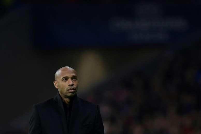 Thierry Henry aponta os cinco melhores jogadores da história. AFP
