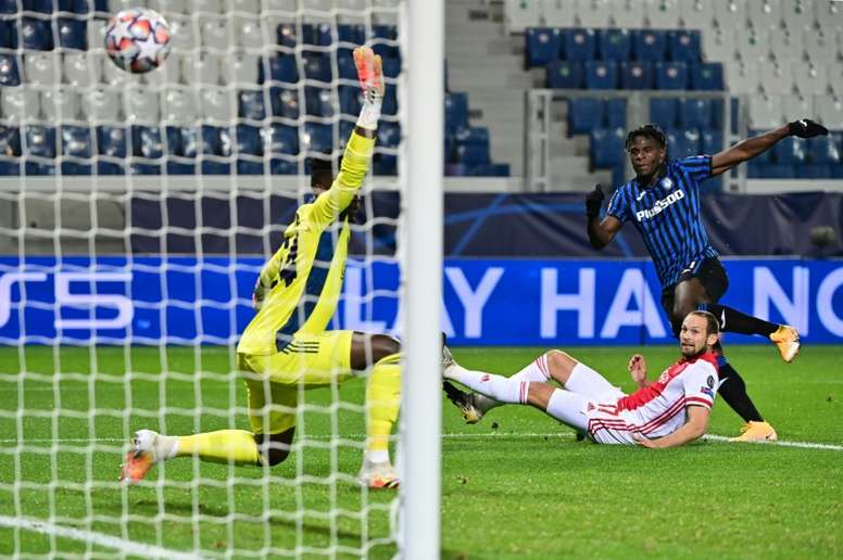 Atalantas Colombian forward Duvan Zapata (R) scored twice in Bergamo. AFP