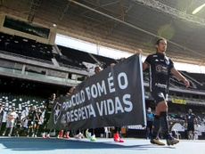 Botafogo's players protested against the return to football. AFP