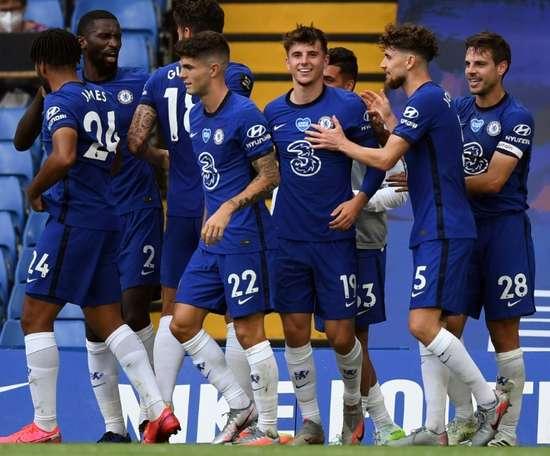 Cuatro jugadores del Chelsea permanecerían aislados en sus domicilios. AFP