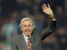 The footballing world has praised England legend Gordon Banks after his death. AFP