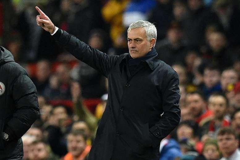 Mourinho no quedó contento con la derrota. AFP