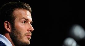 Beckham le 'roba' una promesa a Banfield. AFP