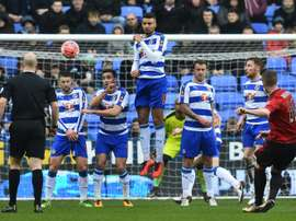 West Bromwich Albions midfielder Chris Brunt (R) takes a free kick during the FA cup fifth round football match between Reading and West Bromwich Albion on February 20, 2016