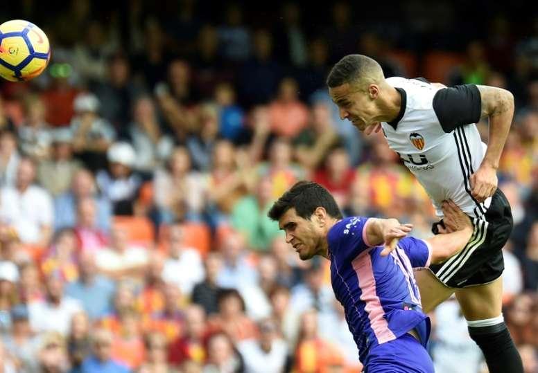 Ezequiel Muñoz se perderá el partido aplazado contra el Madrid. AFP/Archivo