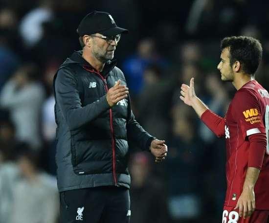 Pedro Chirivella e Liverpool têm contrato até o meio deste ano. AFP