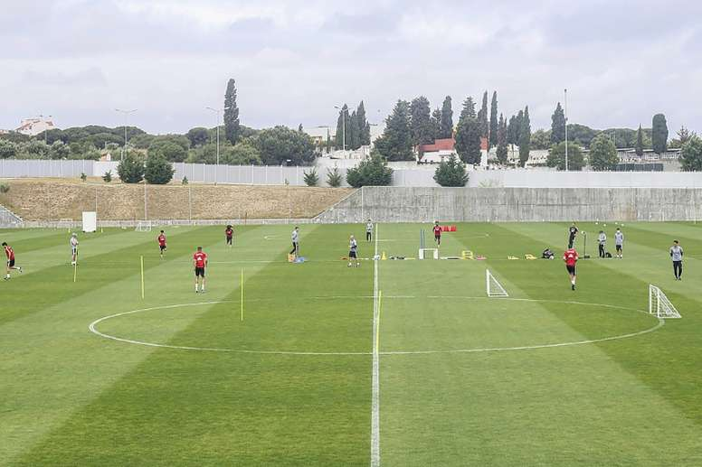 Benfica já treina sem o técnico Bruno Lage. AFP