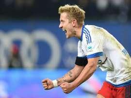 El jugador acaba contrato en junio y el conjunto inglés plantea su fichaje. AFP