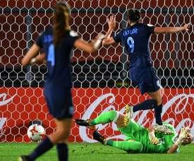 España ha hincado la rodilla ante Inglaterra. AFP