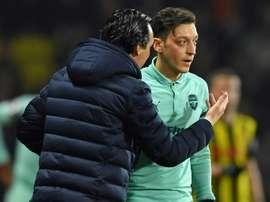 Unai Emery fala sobre Özil. AFP