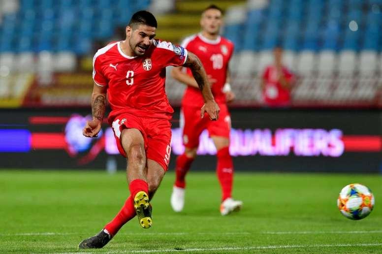 Aleksandar Mitrovic anotó el gol de la victoria de Serbia. AFP/Archivo