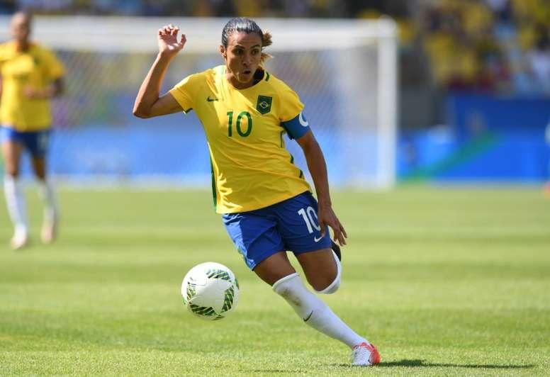 Marta volta a treinar, mas ainda é dúvida. AFP