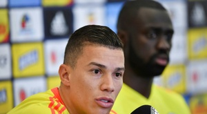 Colombia's Uribe delighted to encounter 'ball-playing' Chile