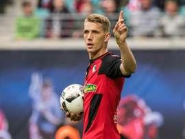 Petersen, tercer máximo goleador de la Bundesliga. AFP