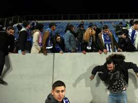 Porto, Estoril clash halted over stand safety fears