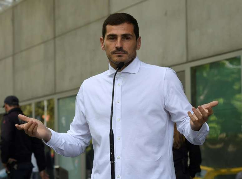 d362ab1e073 Pin Casillas has been asked to stay on at the club despite suffering a  heart attack.