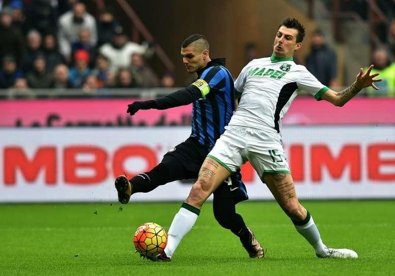 Acerbi suscite les convoitises de la Lazio. AFP