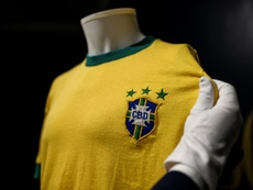 Pele's last Brazil jersey sells for 30,000 euros in Italy. AFP