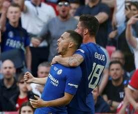 Eden Hazard e Giroud comemorando pelo Chelsea. AFP