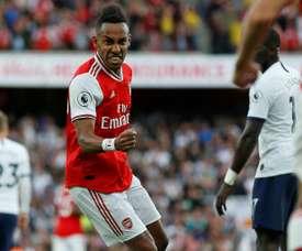 Arsenal deixa tudo igual. 2 a 2 no clássico londrino. AFP