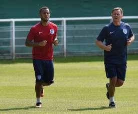 Ryan Bertrand intéresserait les deux Manchester. AFP