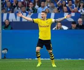Reus y el árbitro se lesionaron en el Borussia-Wolfsburgo. AFP