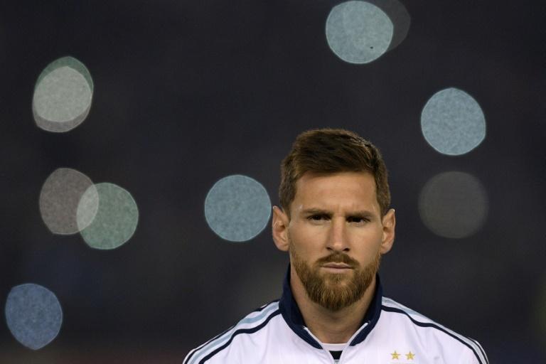 Siguiente Artículo Artículo previo Pin Messi lidera la prelista de Argentina. AFPWhatsappTwitterFacebookComentarios 3