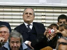 Lolito acredita que é momento de retomar as atividades. AFP