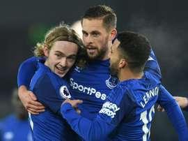 El Everton se llevó los tres puntos ante el Swansea City. AFP