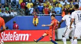 Cinco equipos se disputan a Aránguiz. AFP