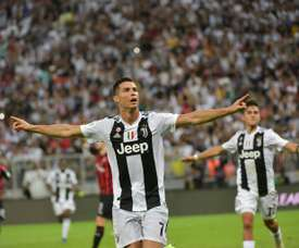 Juventus move to next target in Serie A as AC Milan 'lick wounds'.