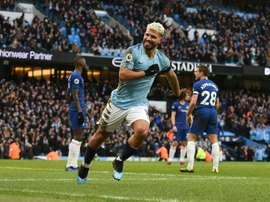 Agüero marcou mais um 'hat-trick'. AFP