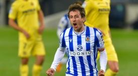 Oyarzabal dio valor al punto de la Real frente al Villarreal. AFP