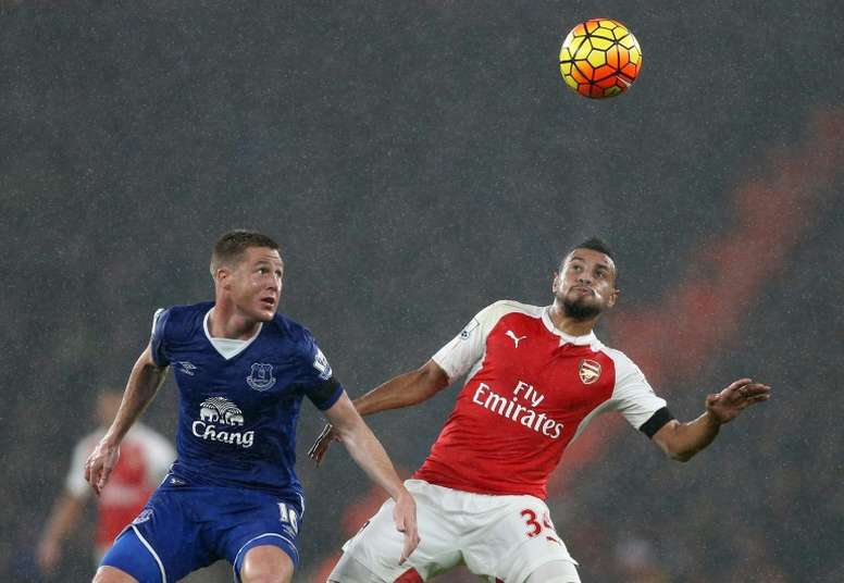 McCarthy (i) podría fichar por el Crystal Palace. AFP